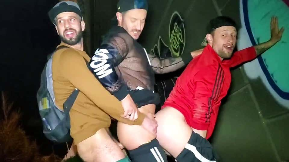Romeo Davis Outdoor hot 3some with Starlen Gold and Drew Dixon