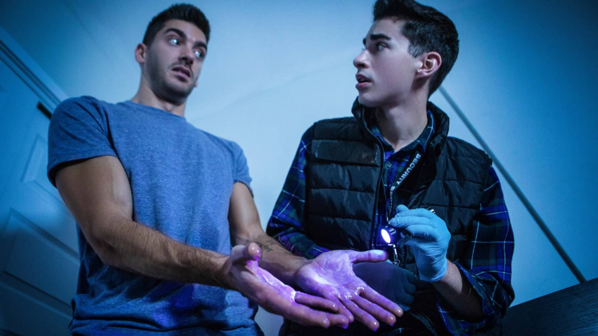 Caught Cum Handed – Jake Nobello & Raphael Louis