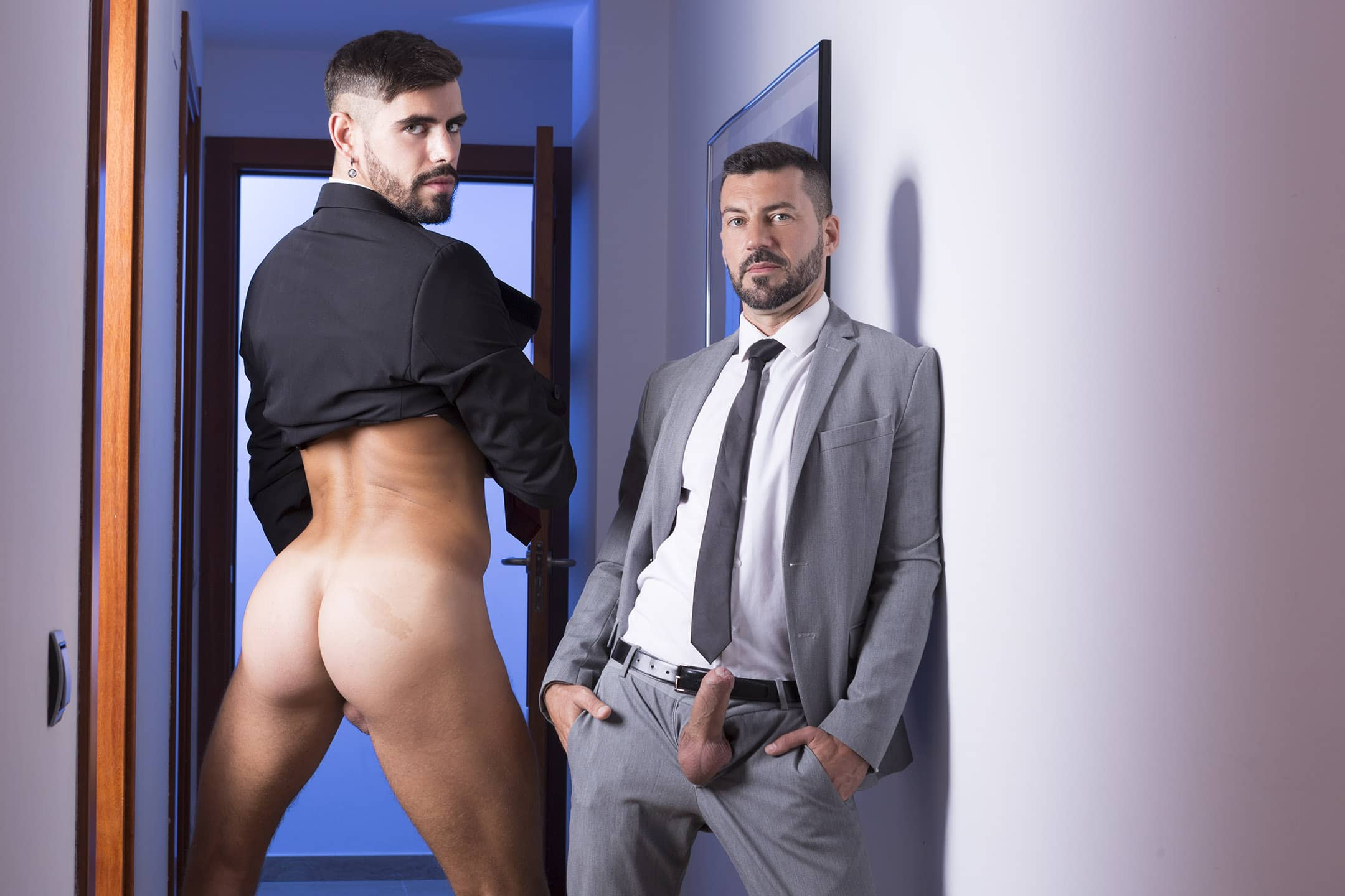 Desk On Fire – Salvatore Exposito and Valentin Amour