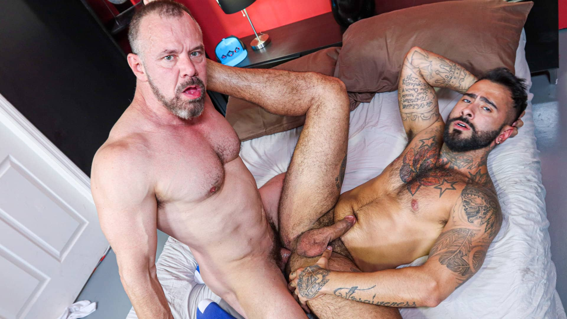 Mature, Passionate and Ready To Fuck – Rikk York and Max Sargent