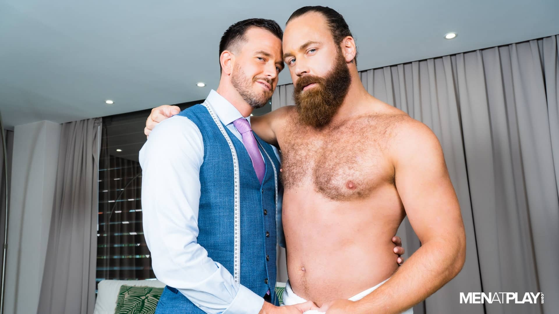 A Juicy Fitting – Franky Fox and Logan Moore